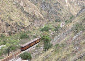 Zugspektakel in Ecuador