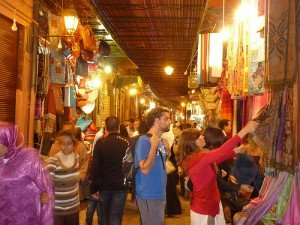 Basar-Feilschen in Marrakesch