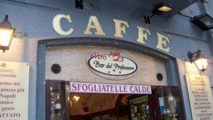 Köstliche Frittatine in Neapel