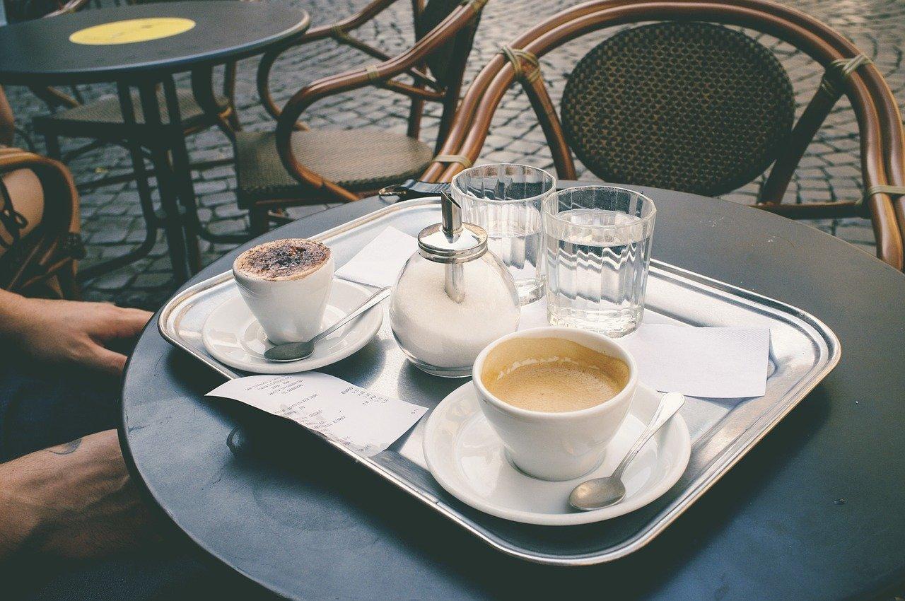 coffee-shop-1154289_1280